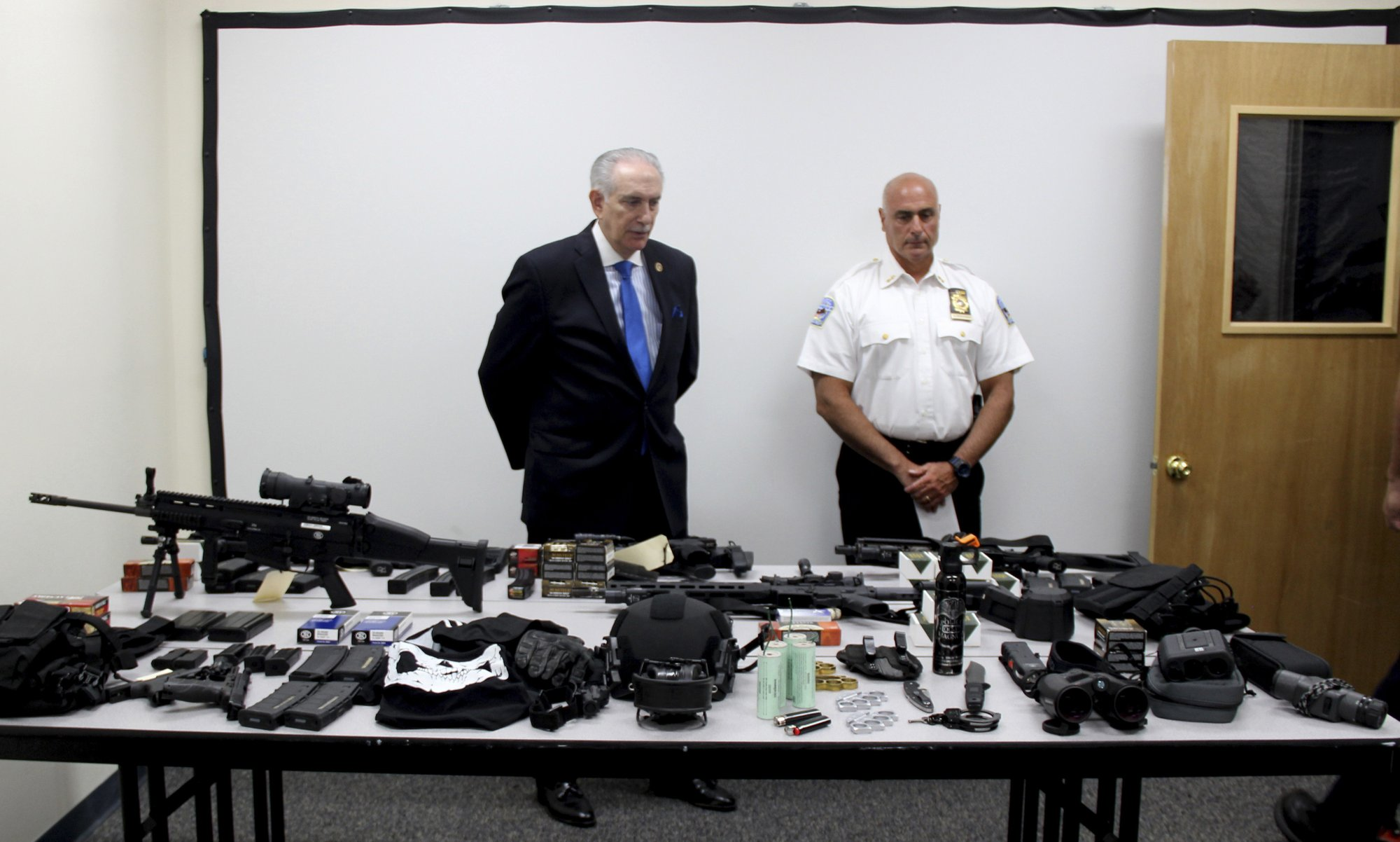 Attorney: NY surgeon in weapons case is just a gun fan