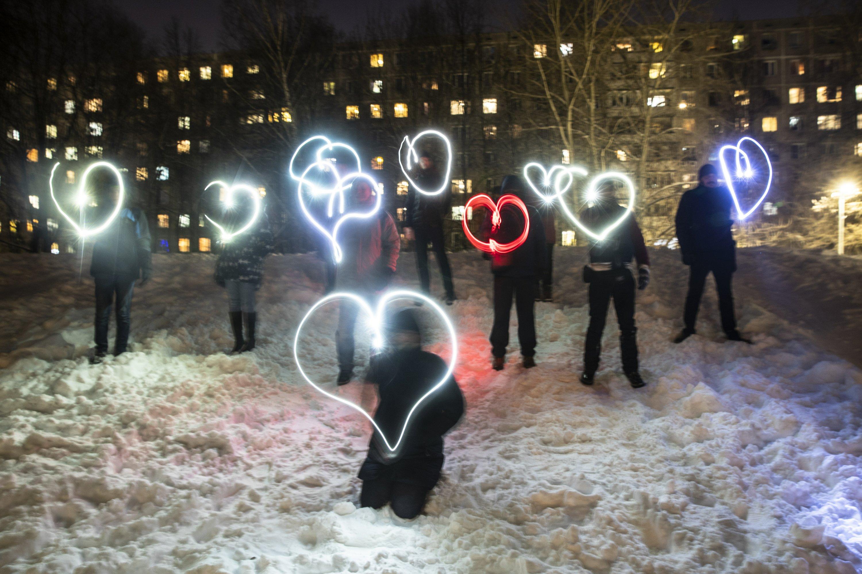 Pro-Navalny 'flashlight' protests light up Russian cities