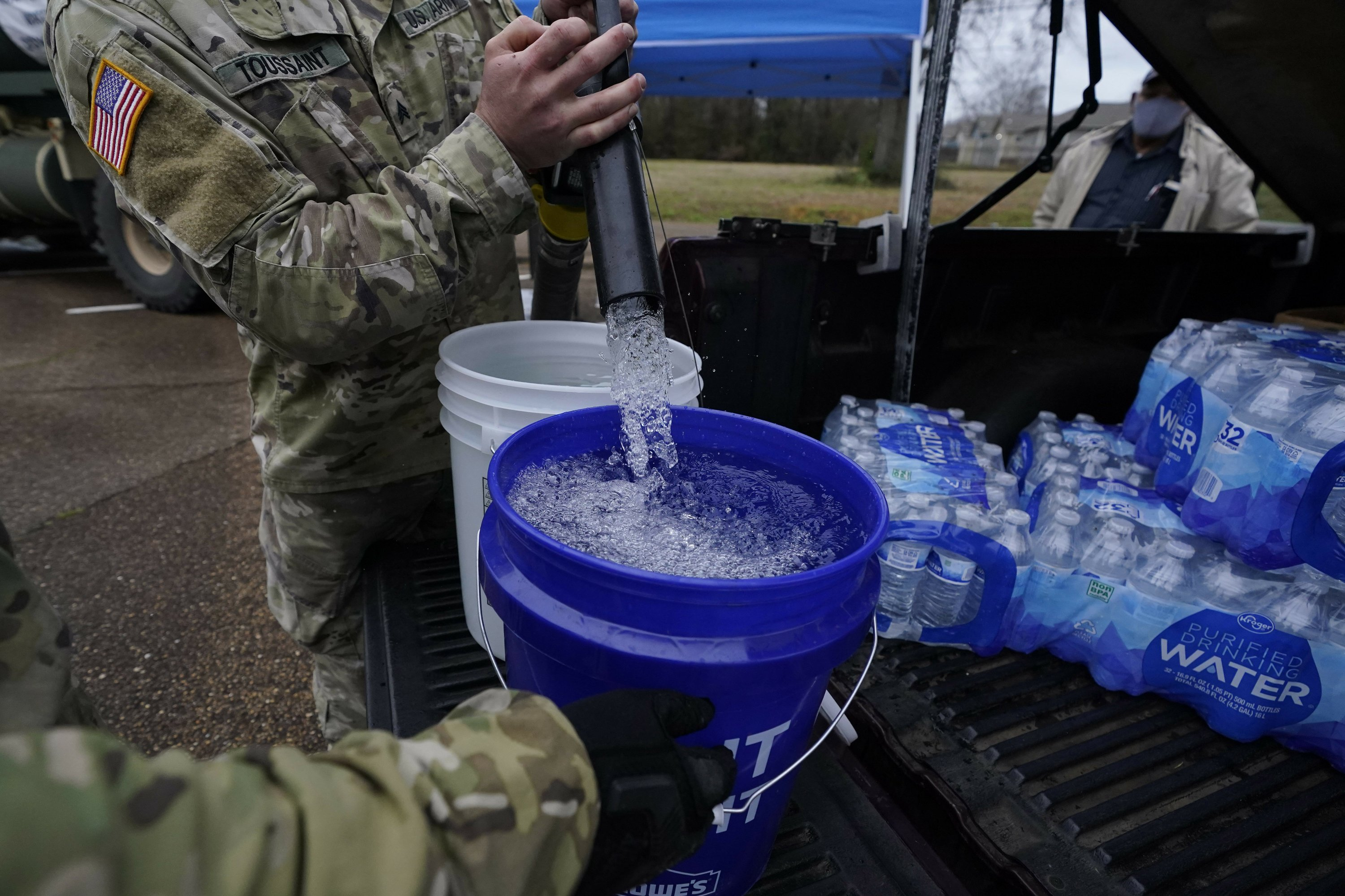 Water crisis continues in Mississippi, weeks after cold snap - The Associated Press
