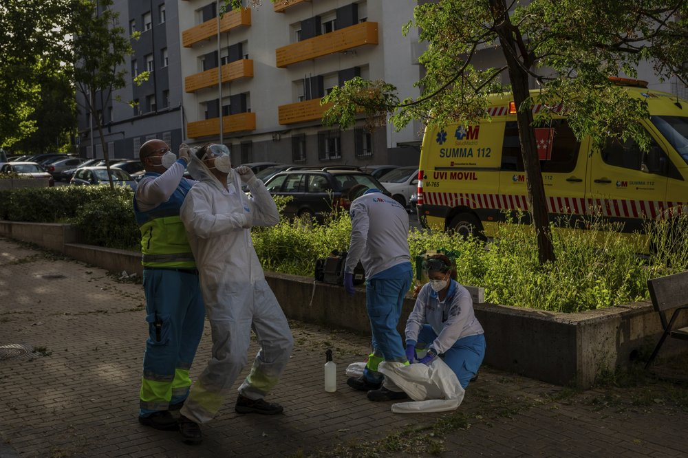"Ambulance workers in Madrid fear a ""rebound"" in coronavirus infections"