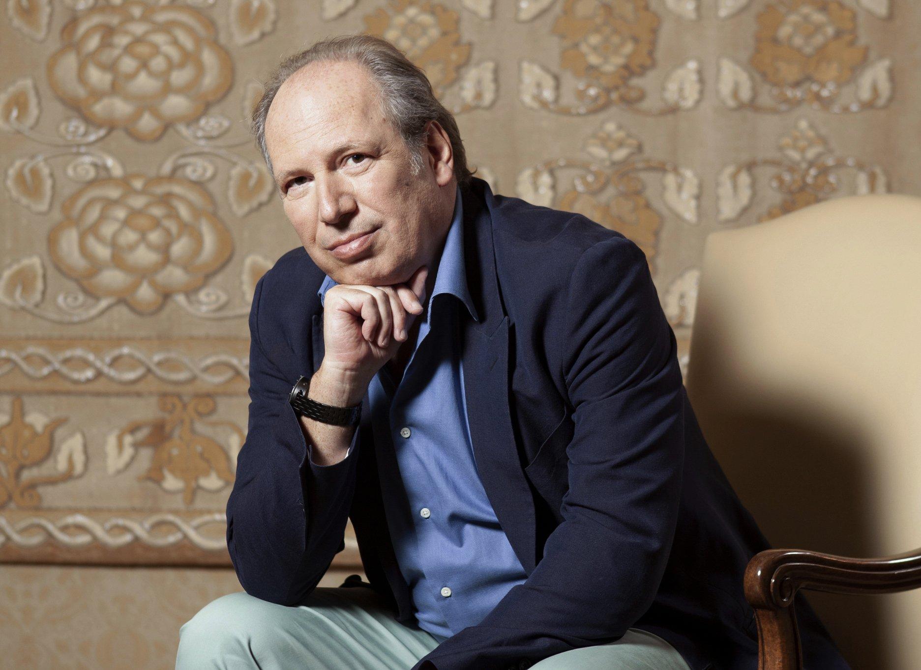 'Lion King' composer Hans Zimmer finds circle of life