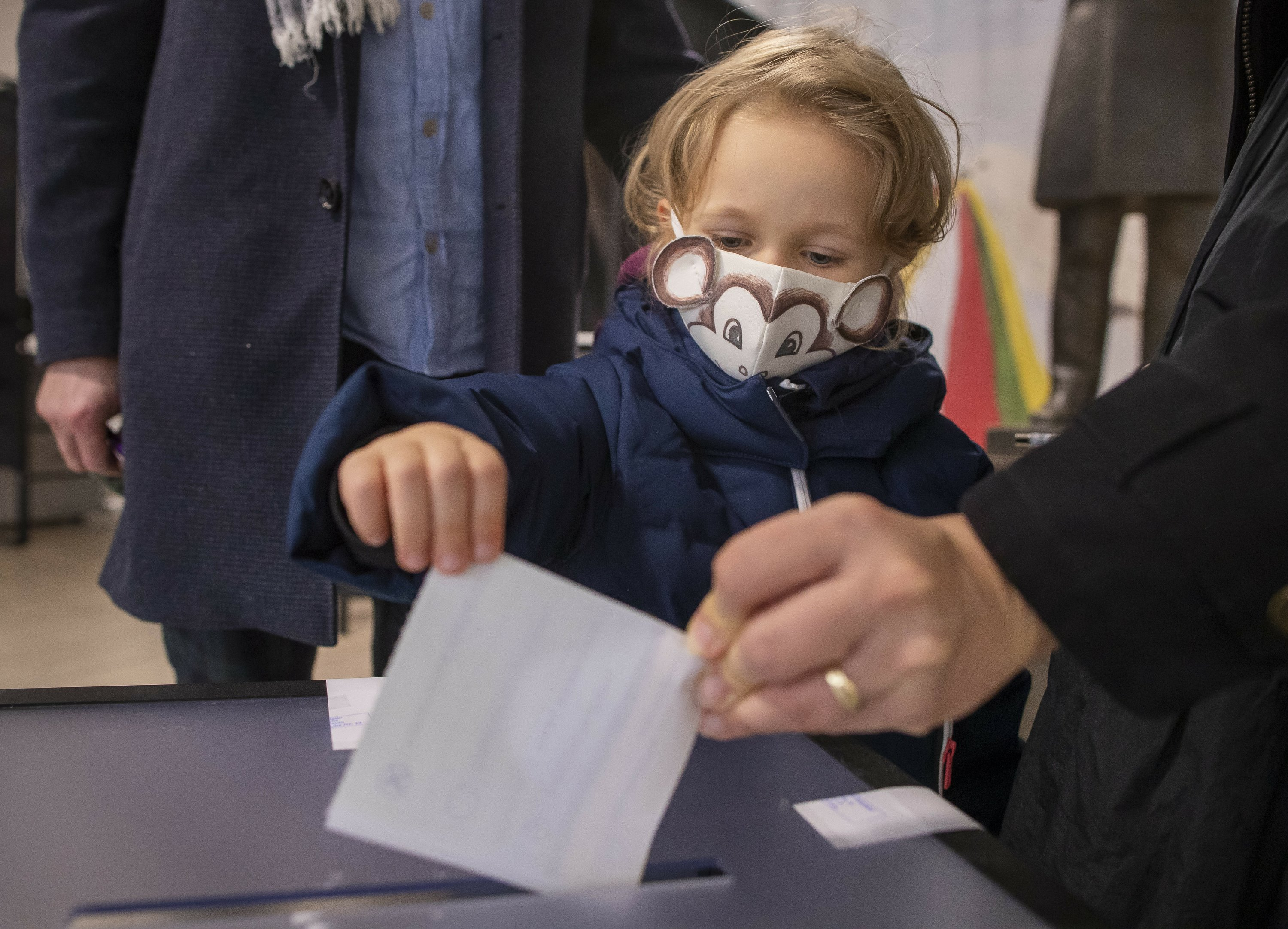 Lithuania holds parliamentary vote as pandemic hits jobs