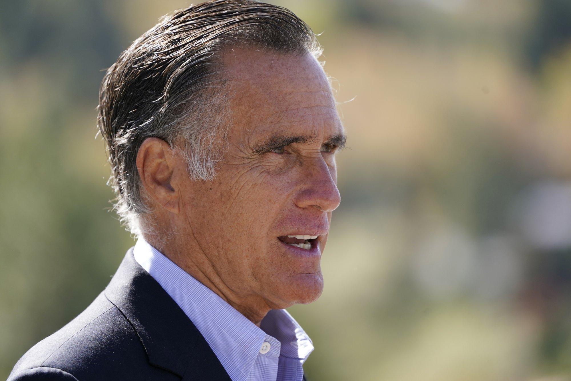 Mitt Romney For President 2020 Mens T Shirt
