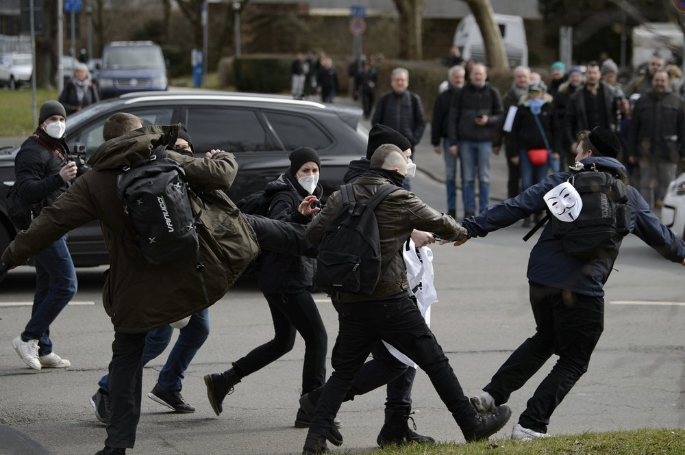 German police and protesters clash over coronavirus measures