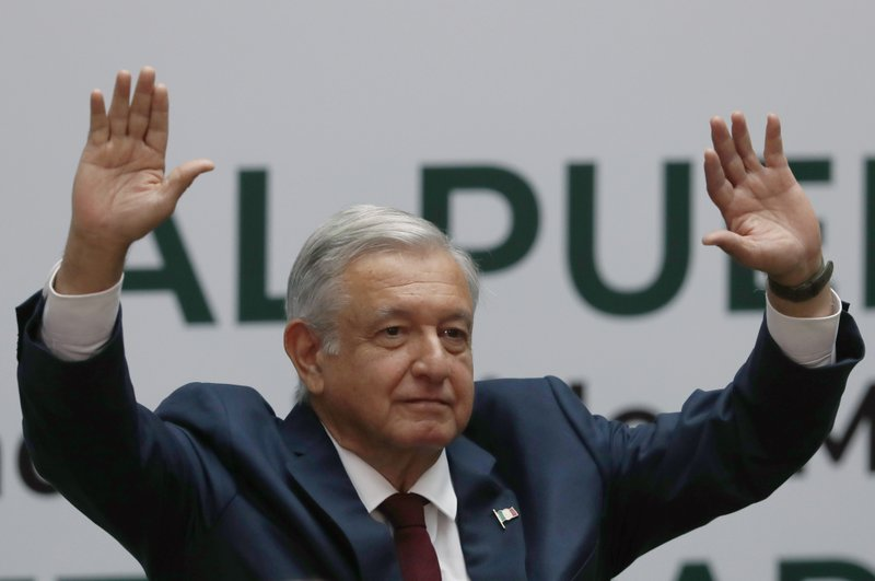 Mexico's president vows to tackle violence, corruption