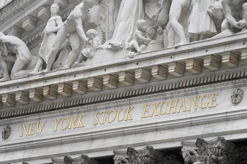 Earnings start to flow on Wall Street