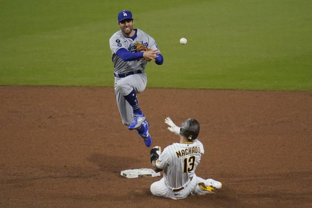 Dodgers beat Padres 2-0