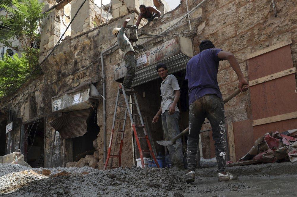 Последствия разрушительного взрыва в Бейруте: как проходит восстановление города
