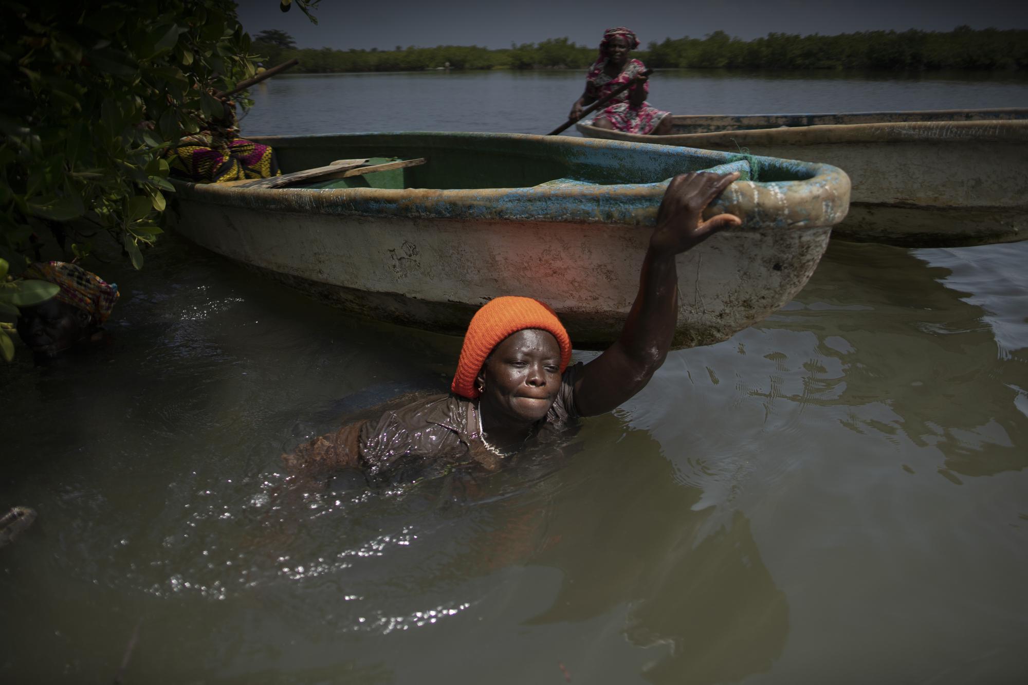 Women Left Behind: Gender Gap Emerges in Africa's Vaccines