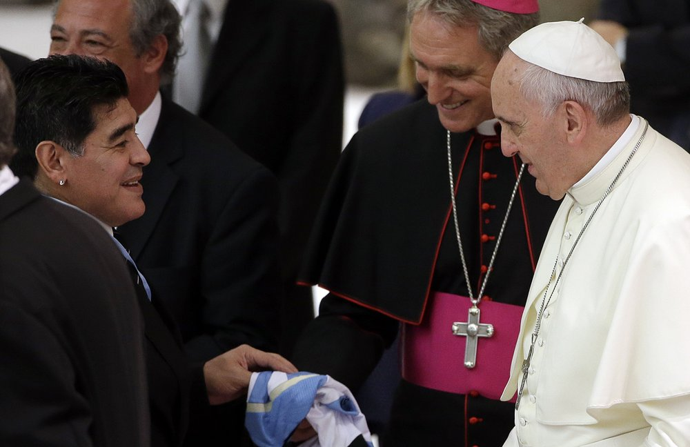 Vatican: Pope Francis prays for soccer legend Maradona, fondly recalls meeting him