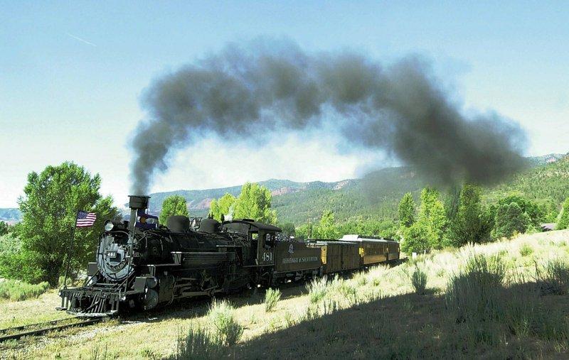 Lawsuit blames scenic rail company for Colorado wildfire
