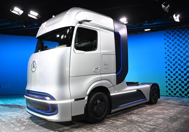 Daimler plant bau von Wasserstoff- und Batterie-LKW in Wörth