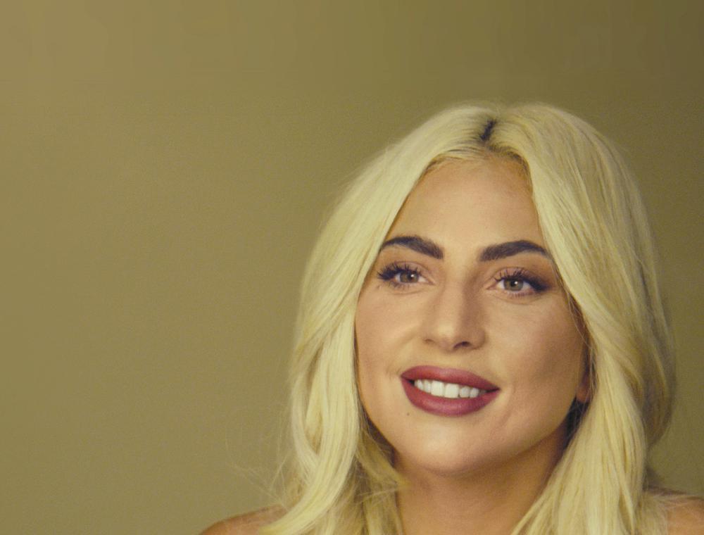 """En esta imagen proporcionada por Apple, Lady Gaga aparece en una escena de """"The Me You Can't See"""".  (Apple vía AP)"""