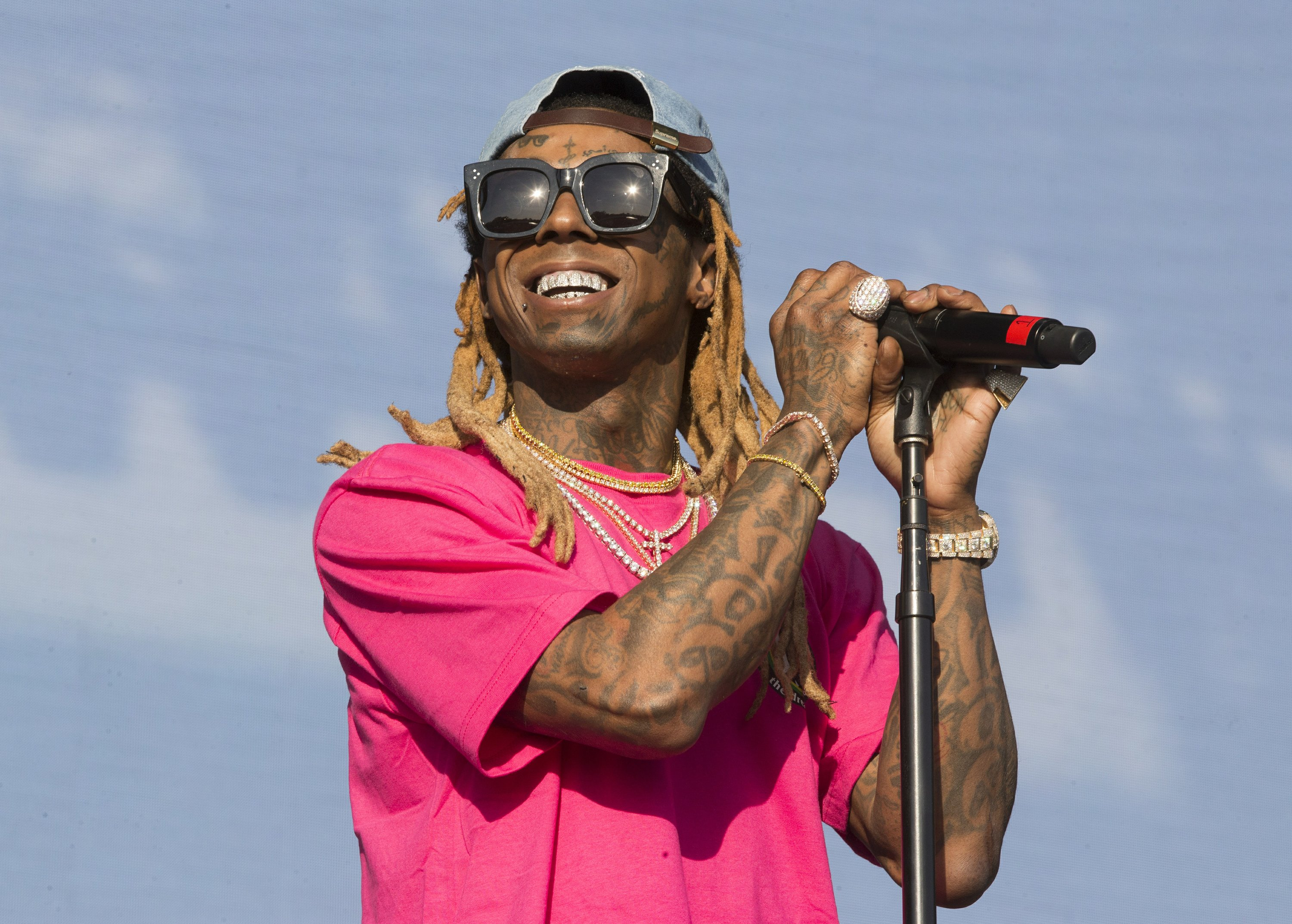 Rapper Lil Wayne pleads guilty to federal weapons charge - The Associated Press