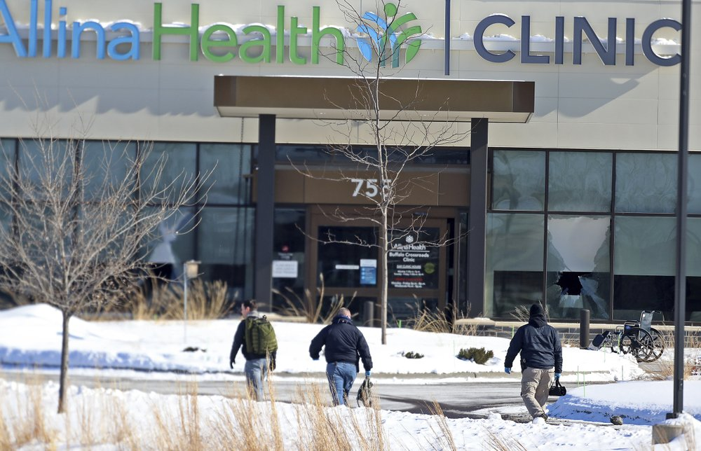 Shooting at Minnesota health clinic leaves 1 dead, 4 injured