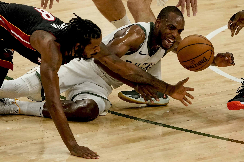 Bucks' Middleton to miss regular-season finale against Bulls