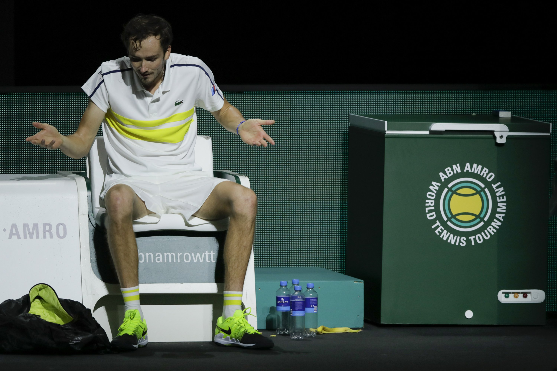 Medvedev, Zverev eliminated in 1st round in Rotterdam