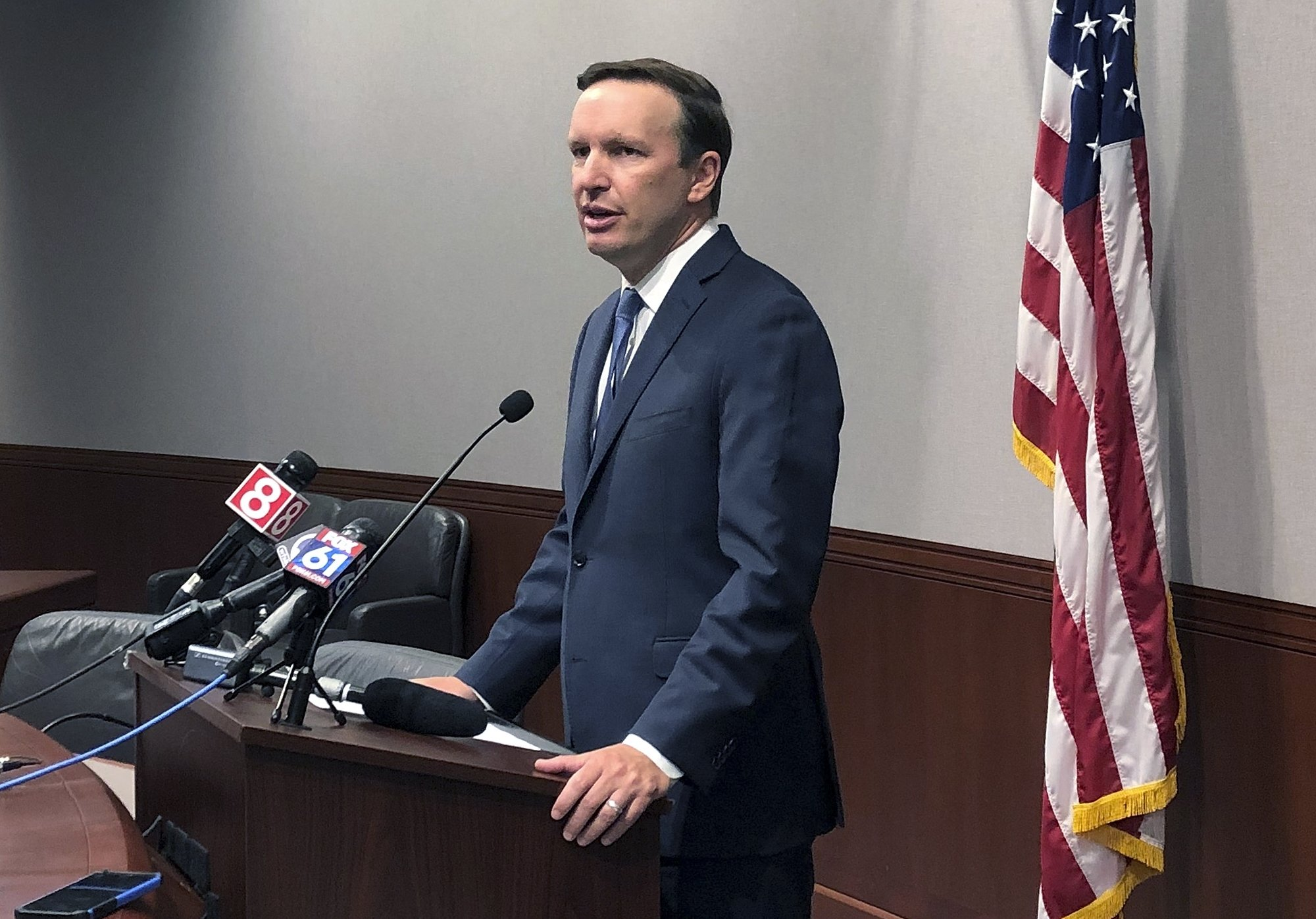 Murphy says White House still open to background checks bill