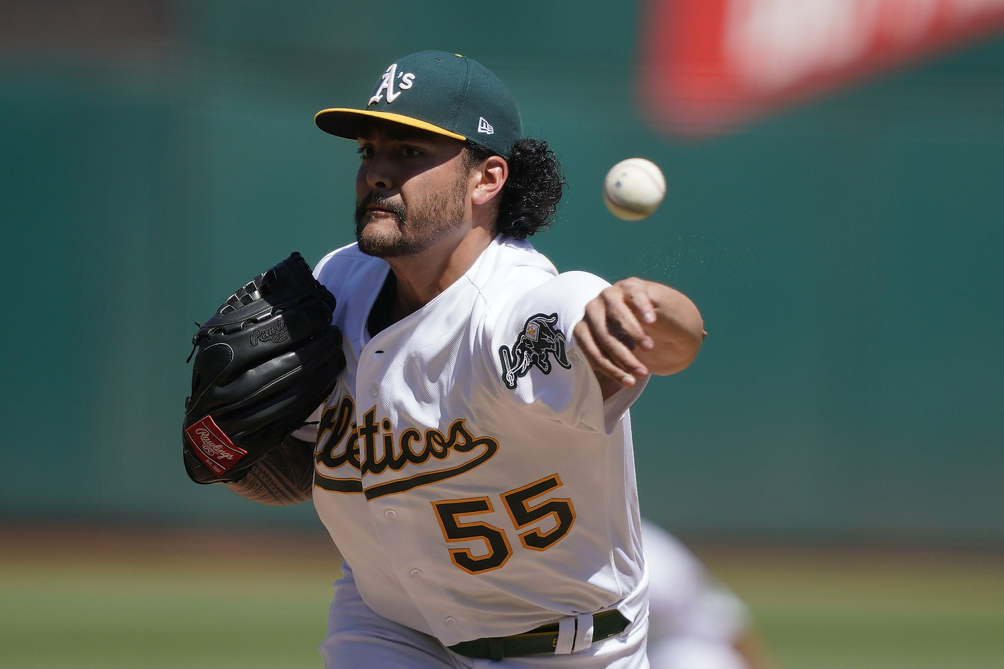 LEADING OFF: Manaea effective with less velo; BoSox pay up