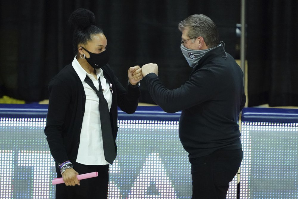 UConn, South Carolina, Stanford and Louisville in line for top seed in NCAA women's tournament