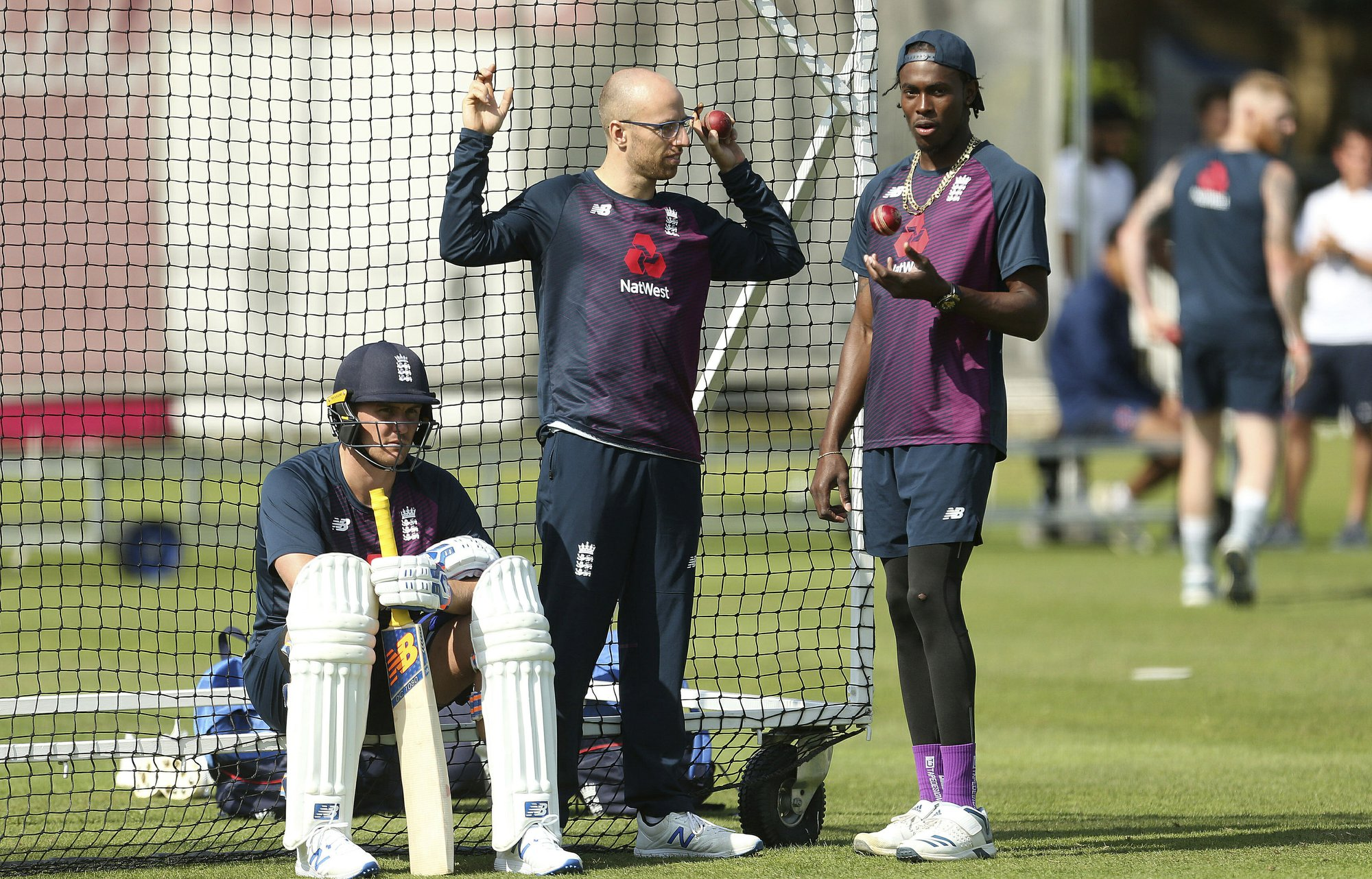 Roy passes concussion test, set to play in 3rd Ashes test