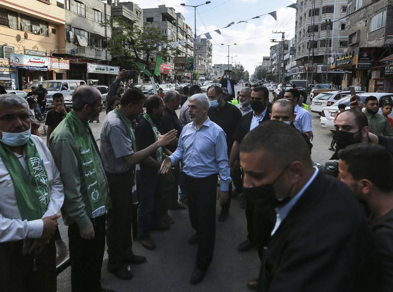 Hamas defiant with military parade, appearance of top leader