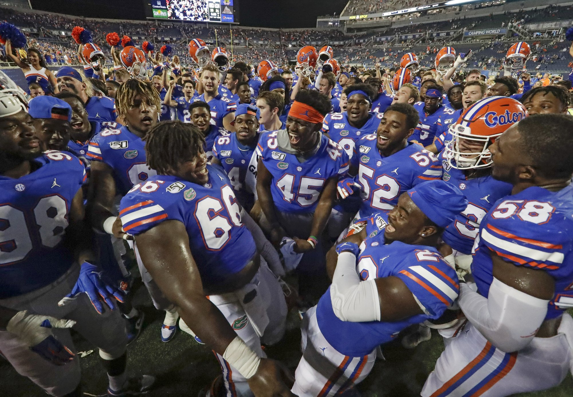 No  8 Florida ends up relying on defense again in opener