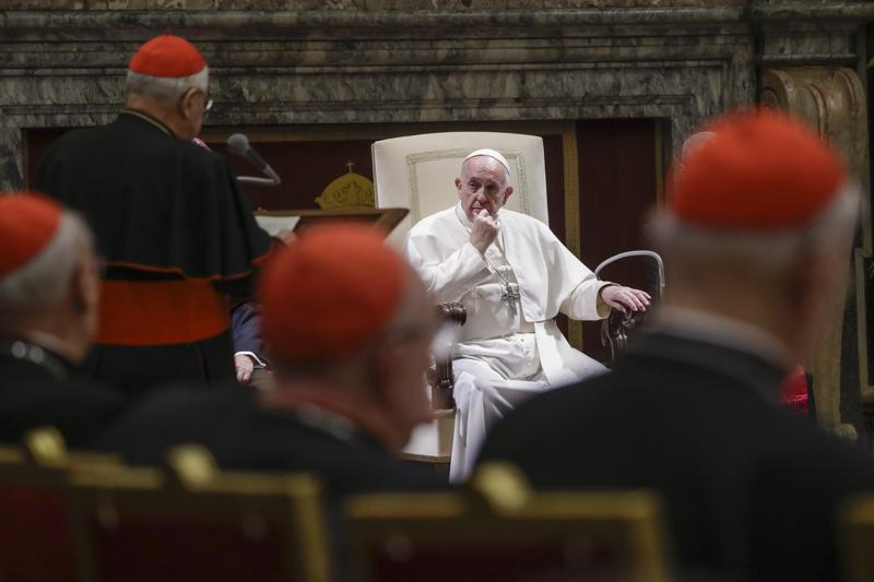 El Papa y la Curia