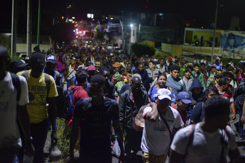 Caravan of 2,000 migrants head toward US from south Mexico