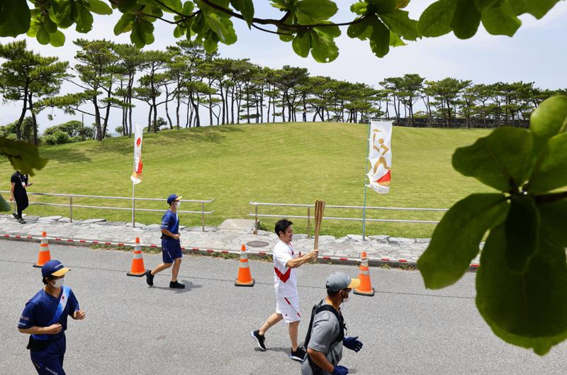 Tokyo Olympic torch relay will involve 10,000 runners