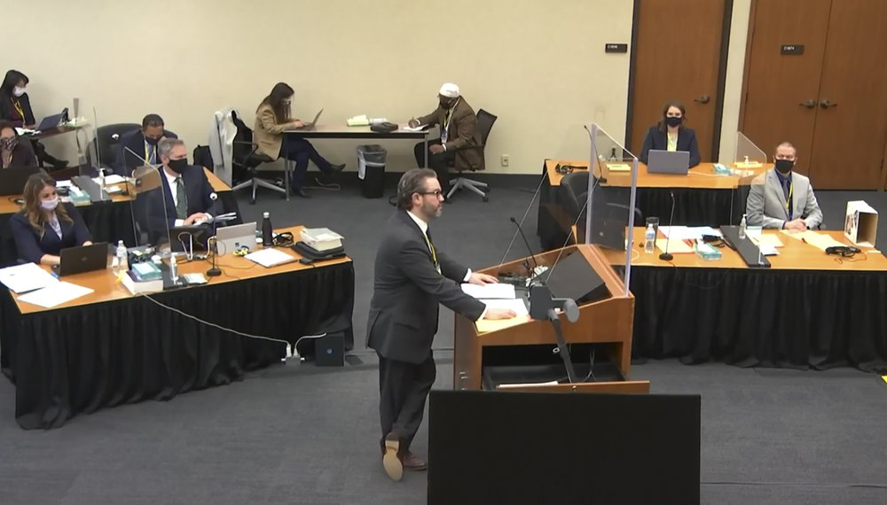 What is the role of alternate jurors in Derek Chauvin's trial?