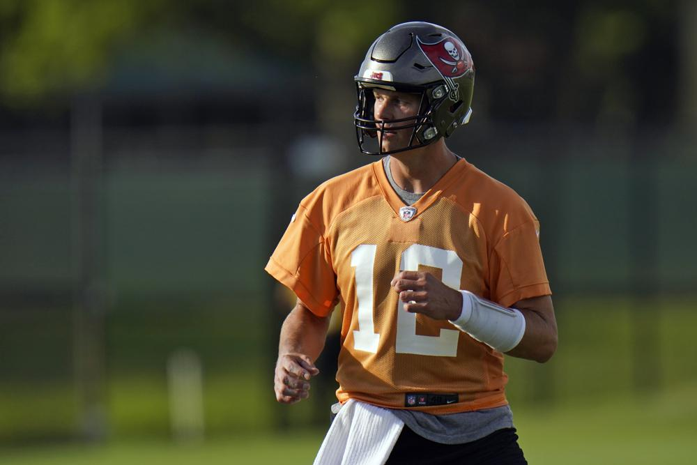 Tom Brady Calls NFL Players 'Ignorant' NFL Team's Salary Cap Drop