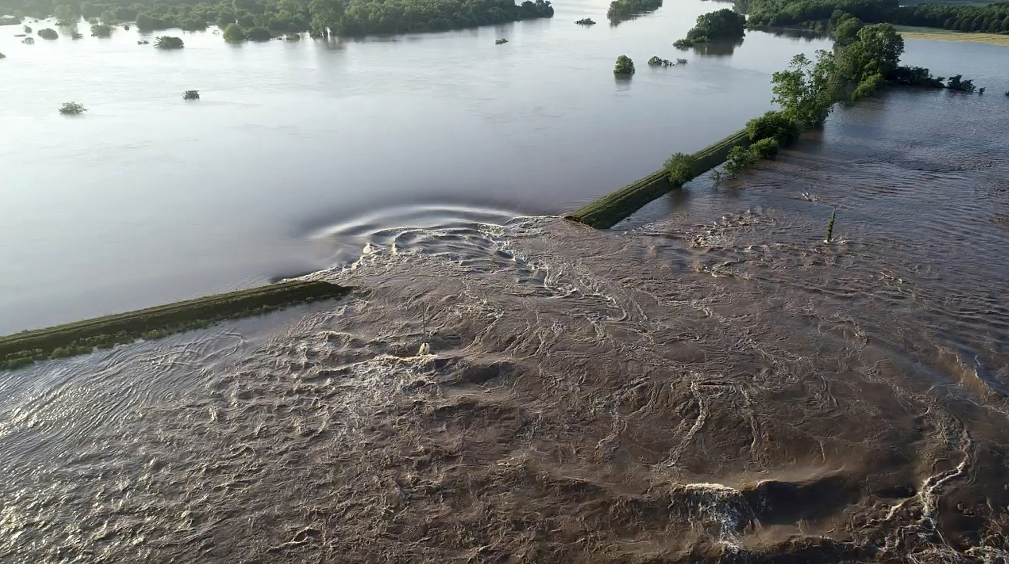 Levee breach at Dardanelle, about 60 miles northwest of Little Rock. (Yell County Sheriff's Department via AP)