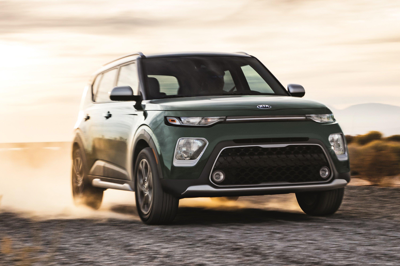 Edmunds compares 2020 Kia Soul and Jeep Renegade