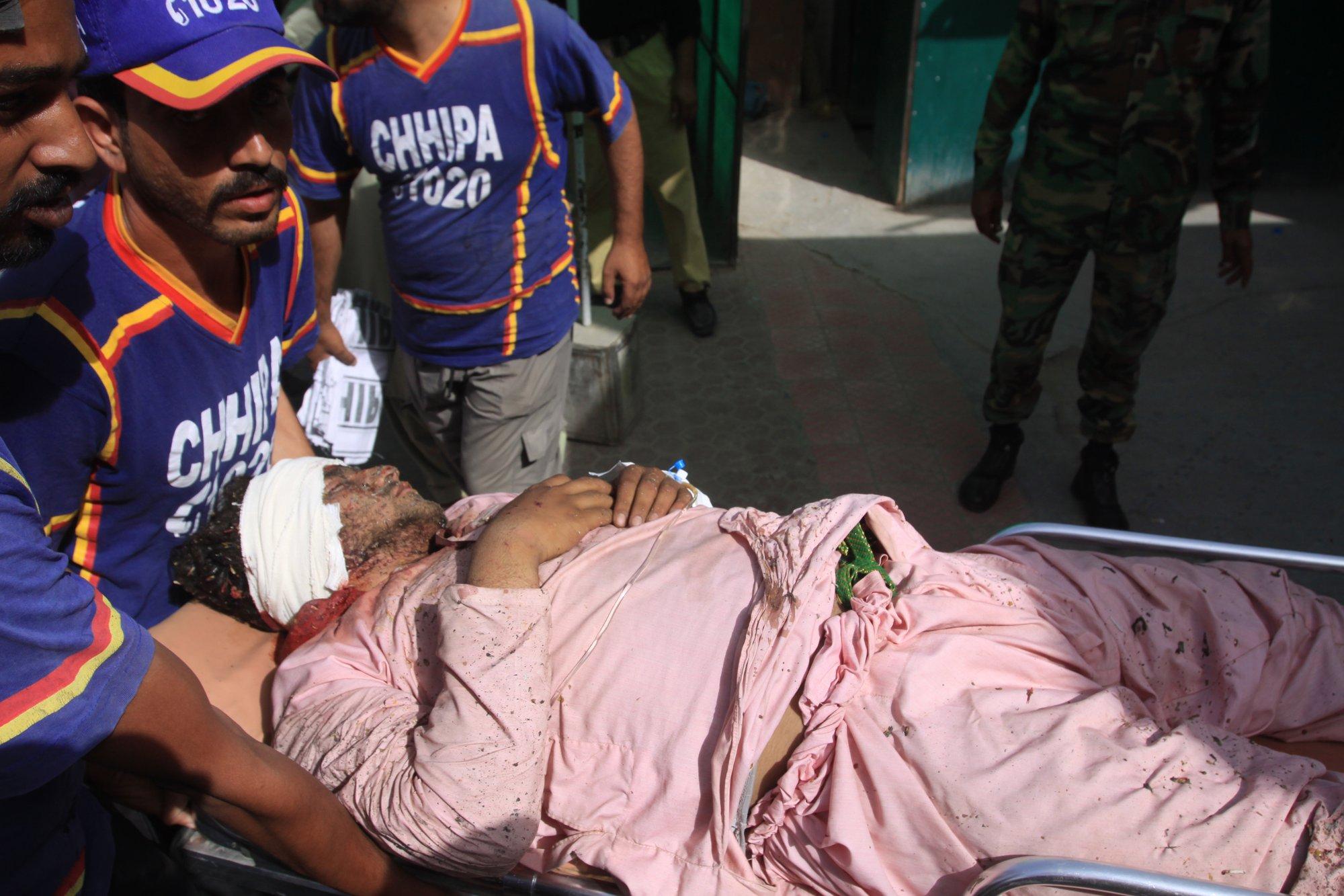 Police: Mosque bombing in southwest Pakistan kills 4 people
