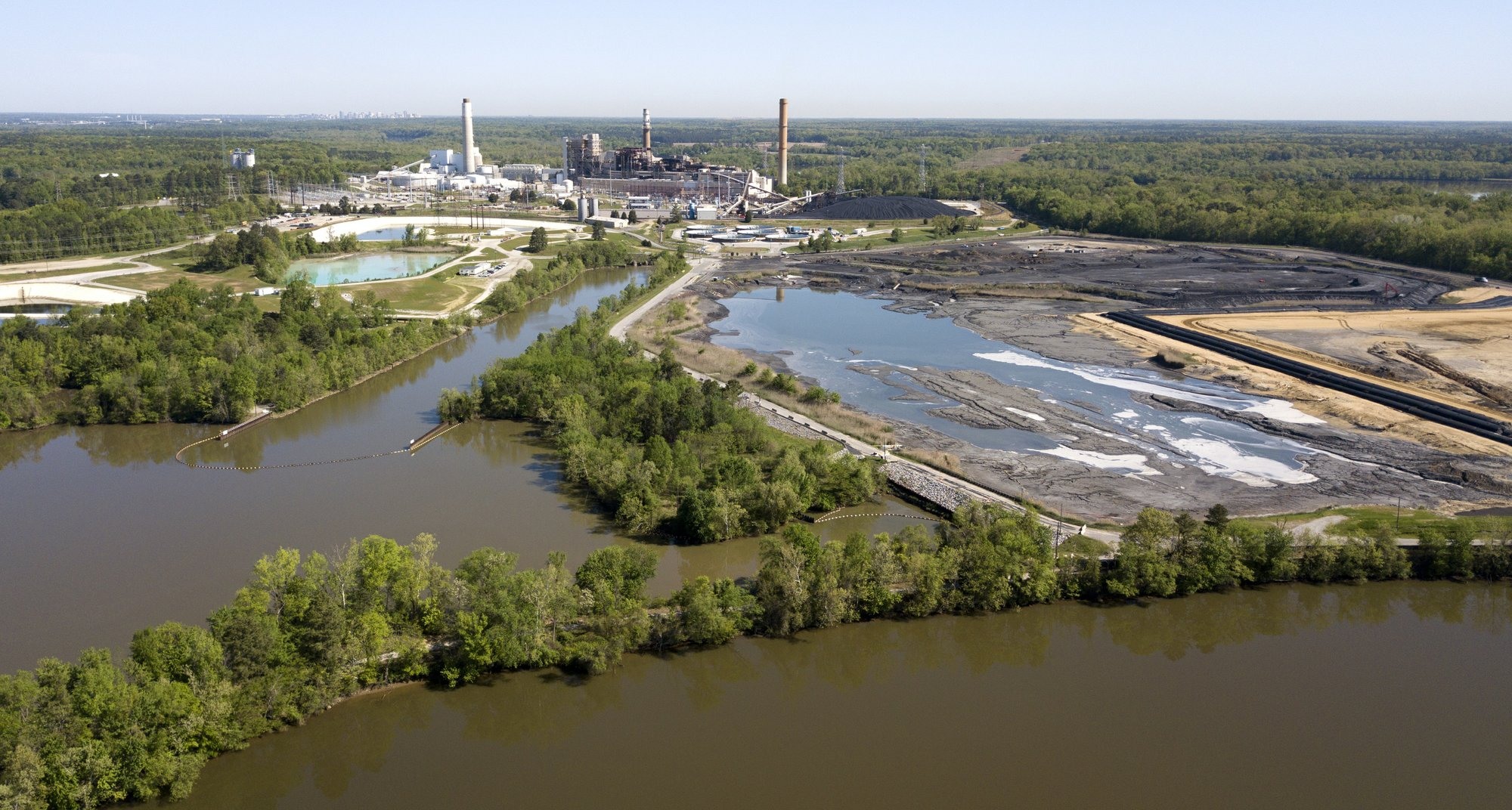 US won't impose rule to protect against coal ash spill costs