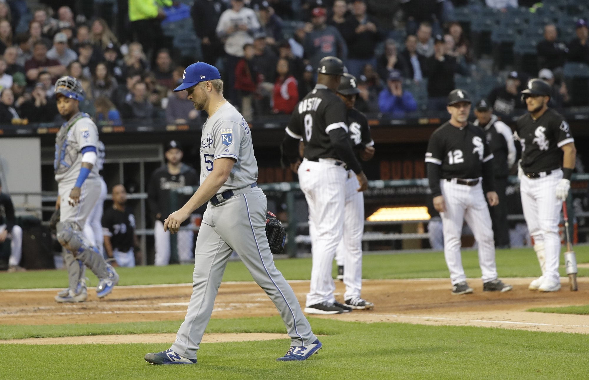 Royals' Sparkman ejected after beaning Chicago's Anderson