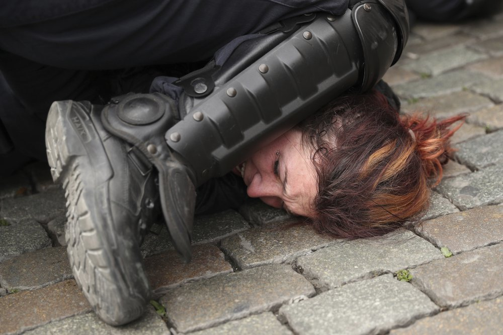 Use of chokehold by police is under scrutiny