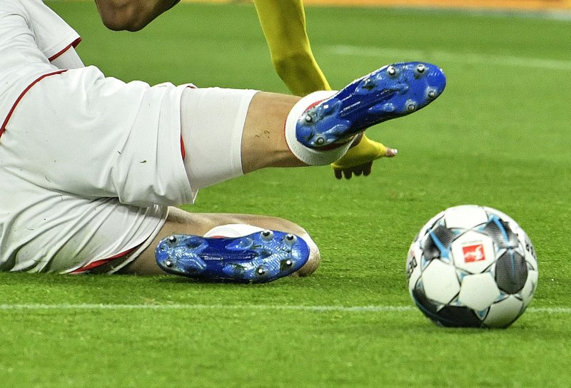 10 positive COVID-19 cases among Germany's top soccer clubs