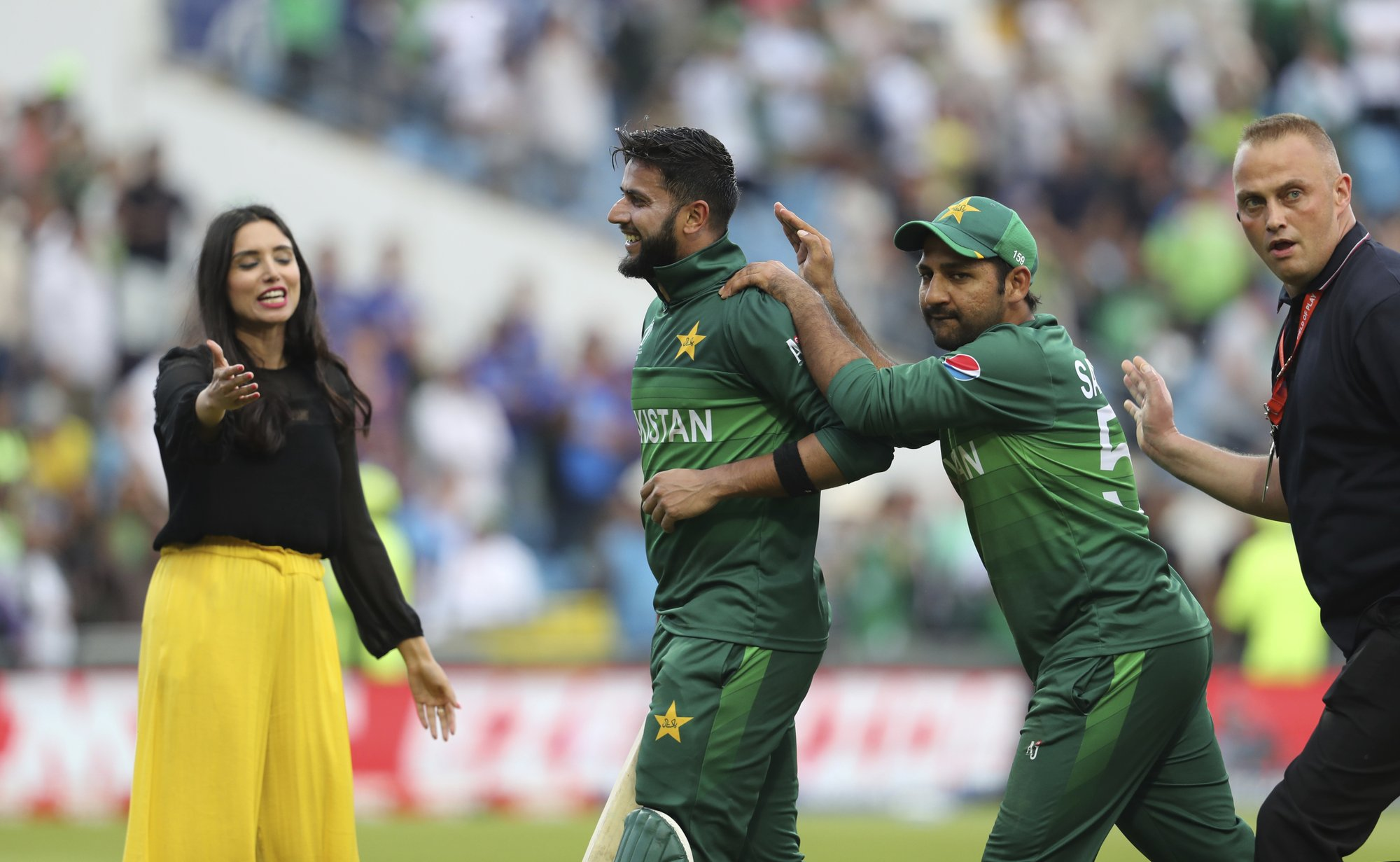 Pakistan edges Afghans with 2 balls to spare, moves to 4th