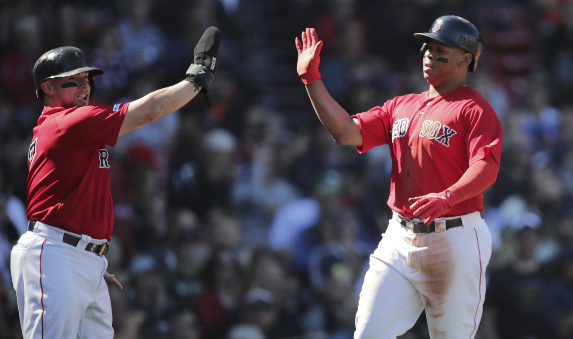 Rodriguez, Red Sox beat Giants 5-4 to avoid sweep