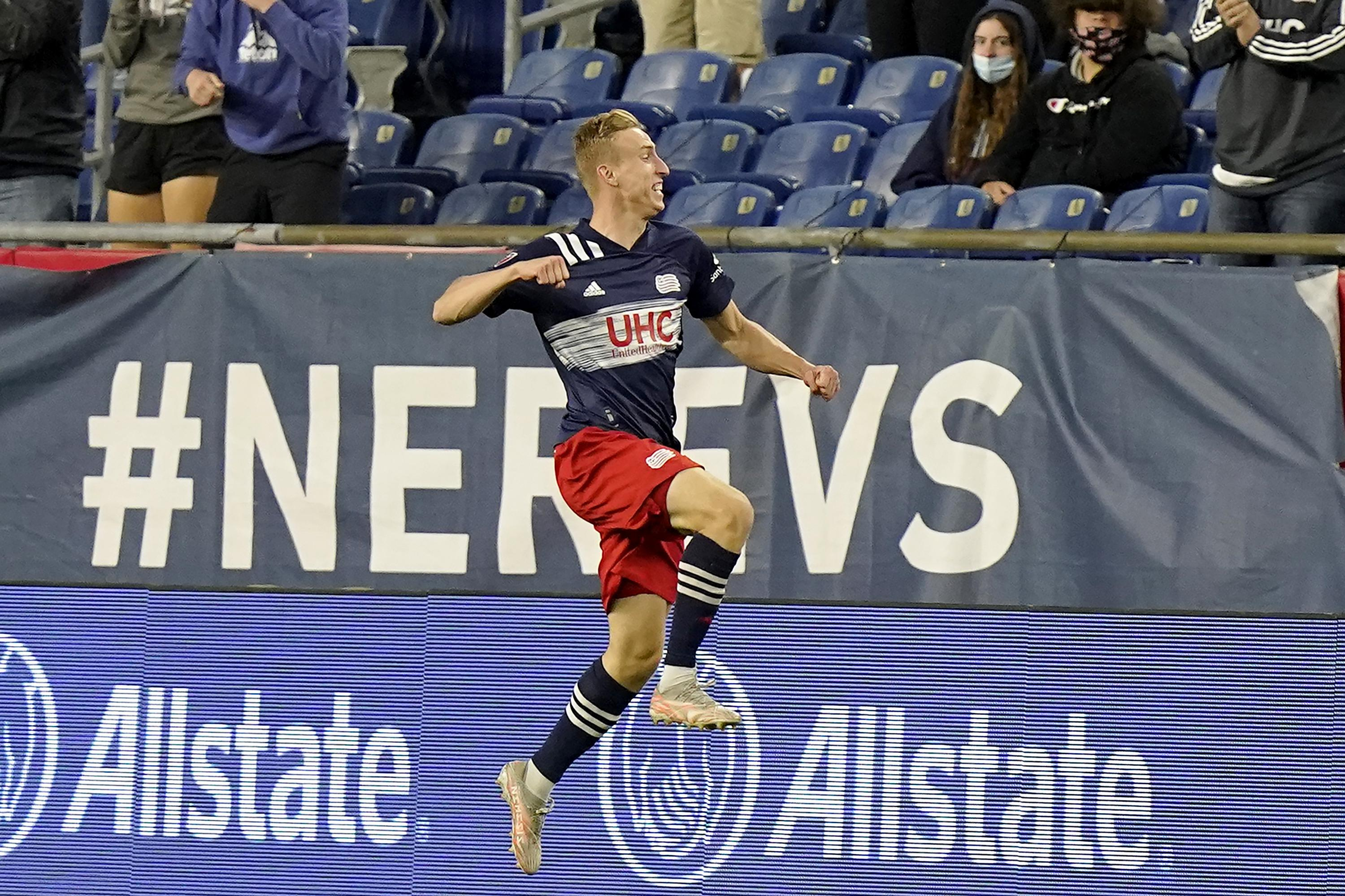 Late goal lifts Revolution over Columbus 1-0