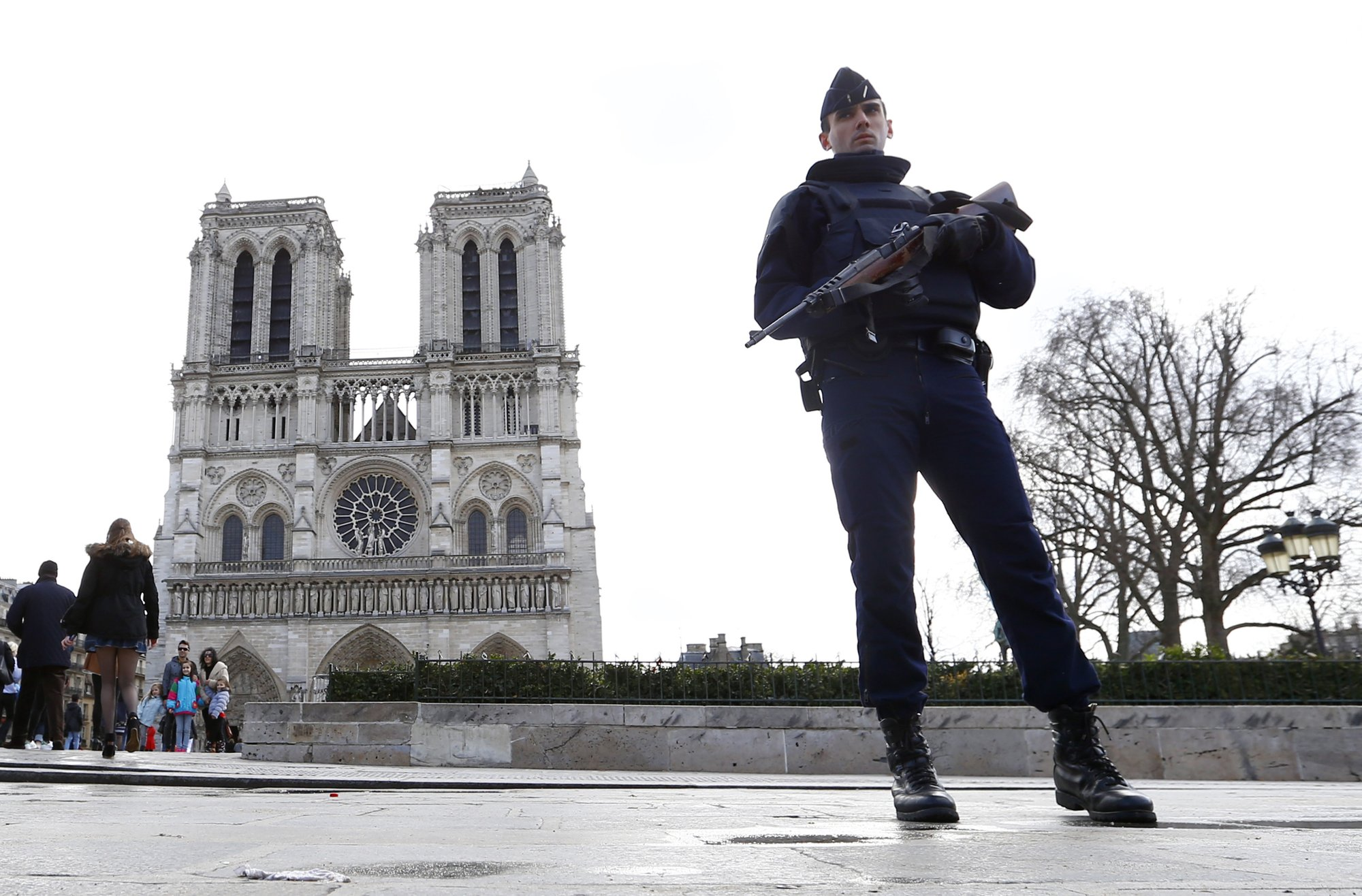 IS women on trial for attempted attack near Notre Dame