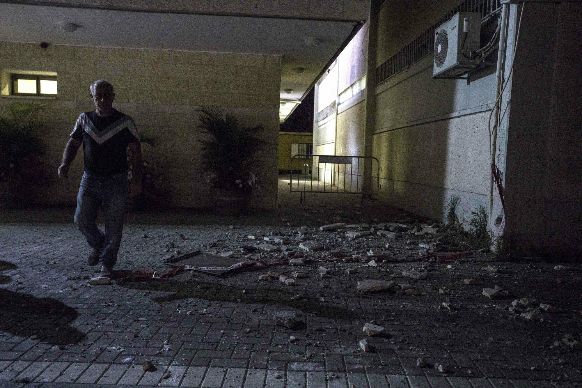 Qatari envoy delivers aid to Gaza in cease-fire effort