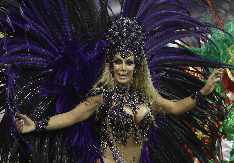 Bailarina Transgénero Sacude Tabúes En El Carnaval De Brasil