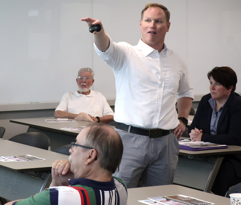Kansas GOP lawmaker facing probe changes voter registration