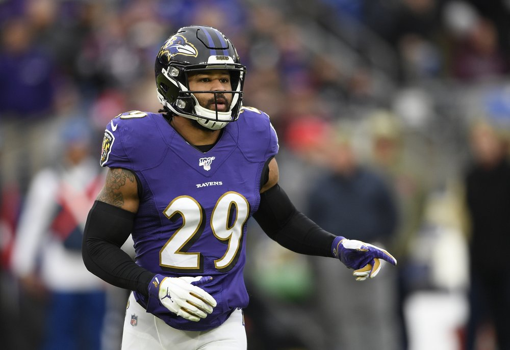 According to police report, Ravens' Earl Thomas' wife held gun at his head after finding him in bed with another woman
