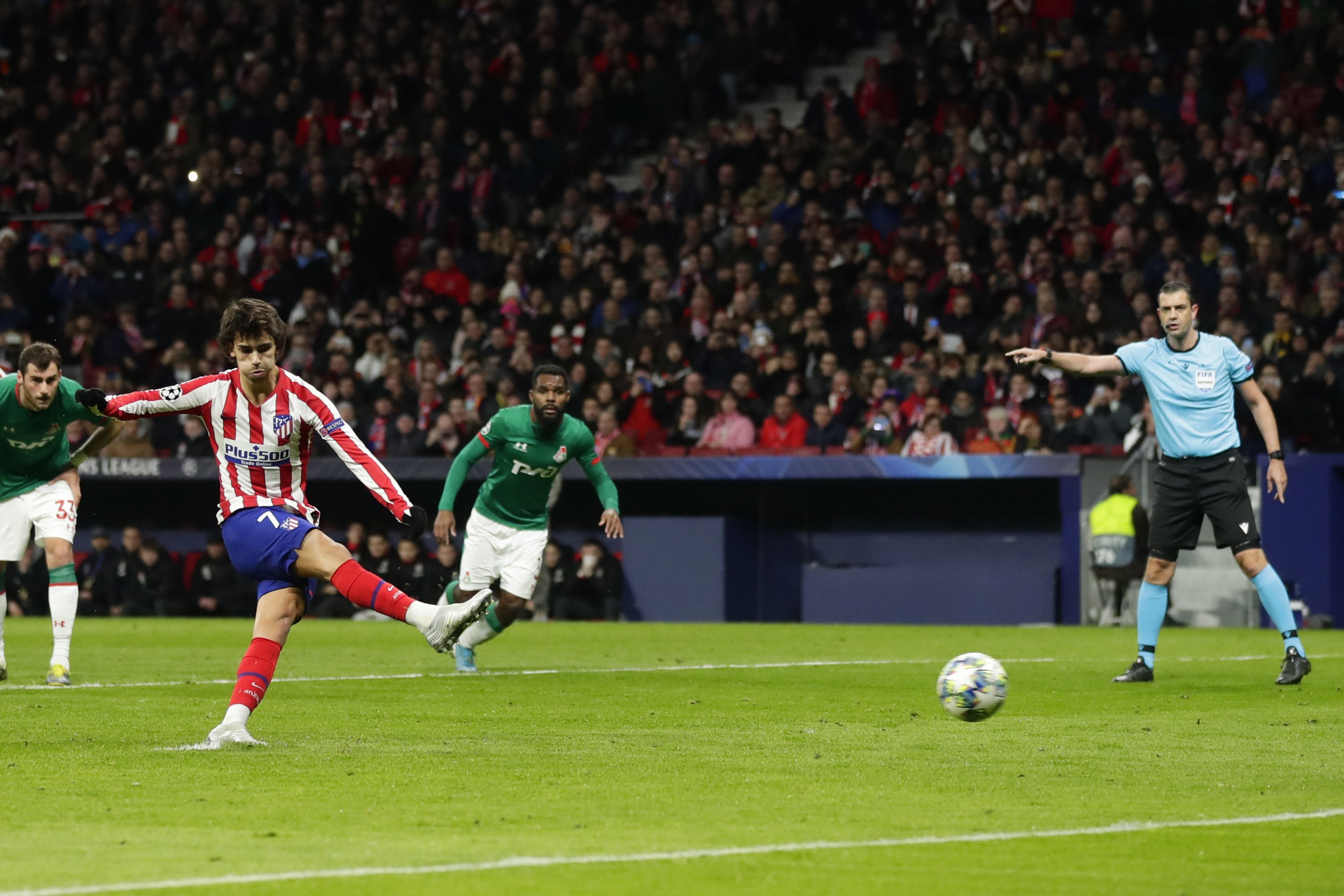 Atlético beats Lokomotiv 2-0 to advance in Champions League