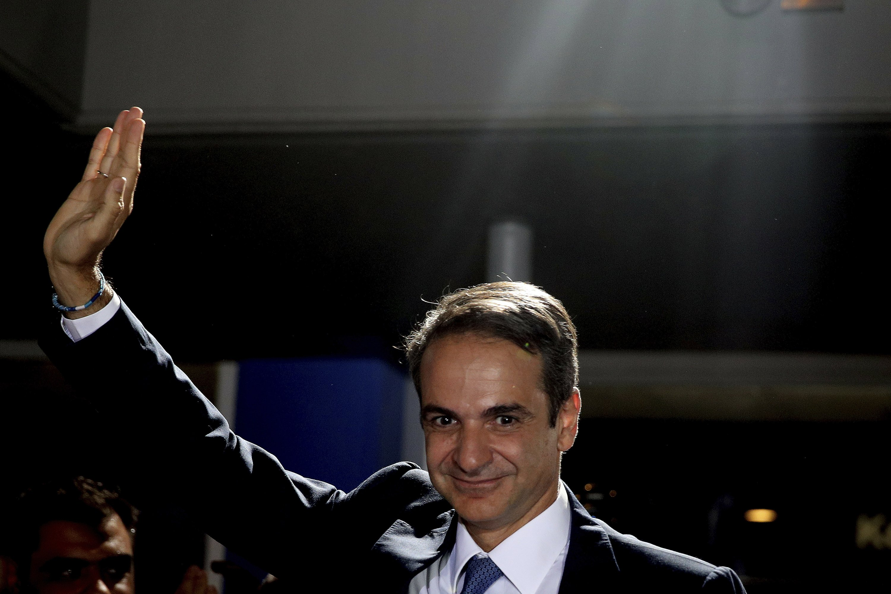 Greek election winner to be sworn in as prime minister