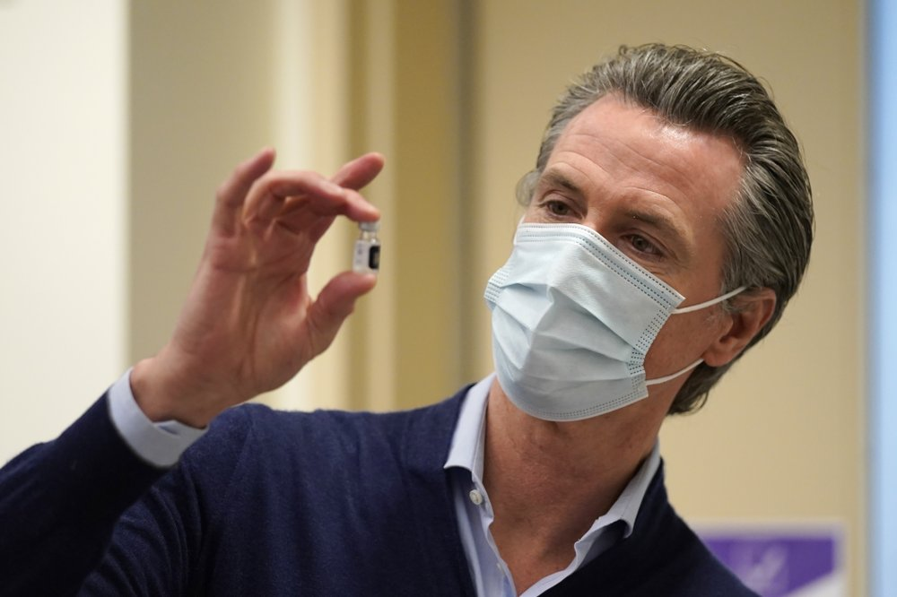 Andrew Cuomo, Gavin Newsom under the gun for how they handled the coronavirus pandemic outbreak